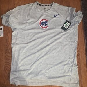 Nike Chicago Cubs t shirt NWT